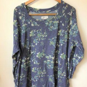 Peace & Pearls Blue Floral Long Sleeve Thermal Top